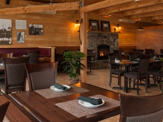 Clam Diggers Dining Room